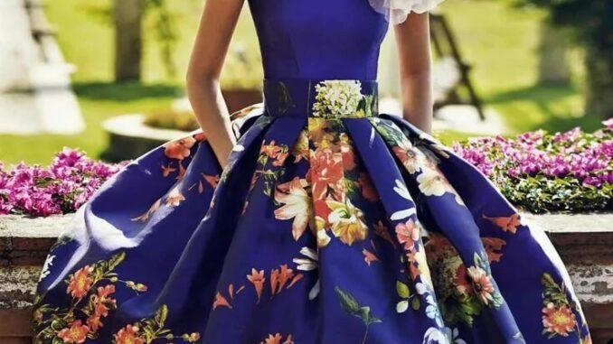 Стильна сукня з квітами 2020